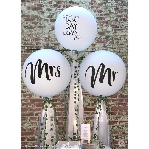 White giant balloon - Mr